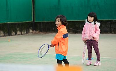 キッズスポーツ教室「ゴルフ&テニス」